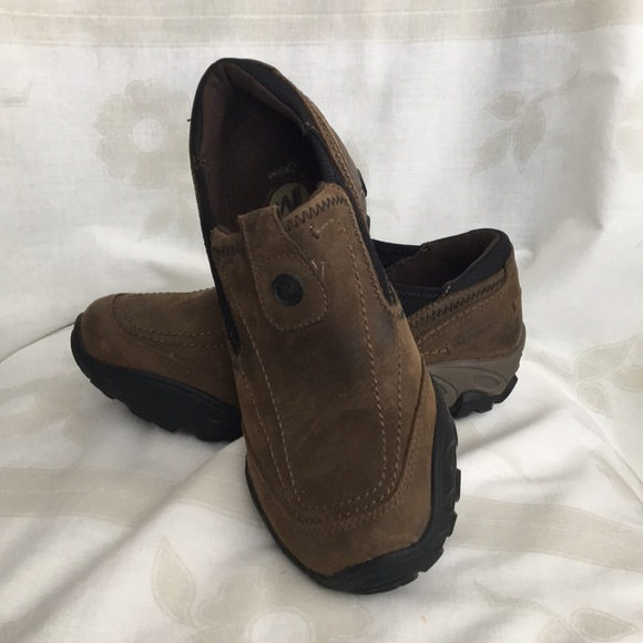 2b533534 Women's Merrell stone brown leather slip ons
